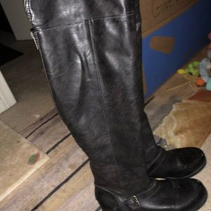 OVER KNEE LEATHER BOOT EVERYTHING MUST GO!